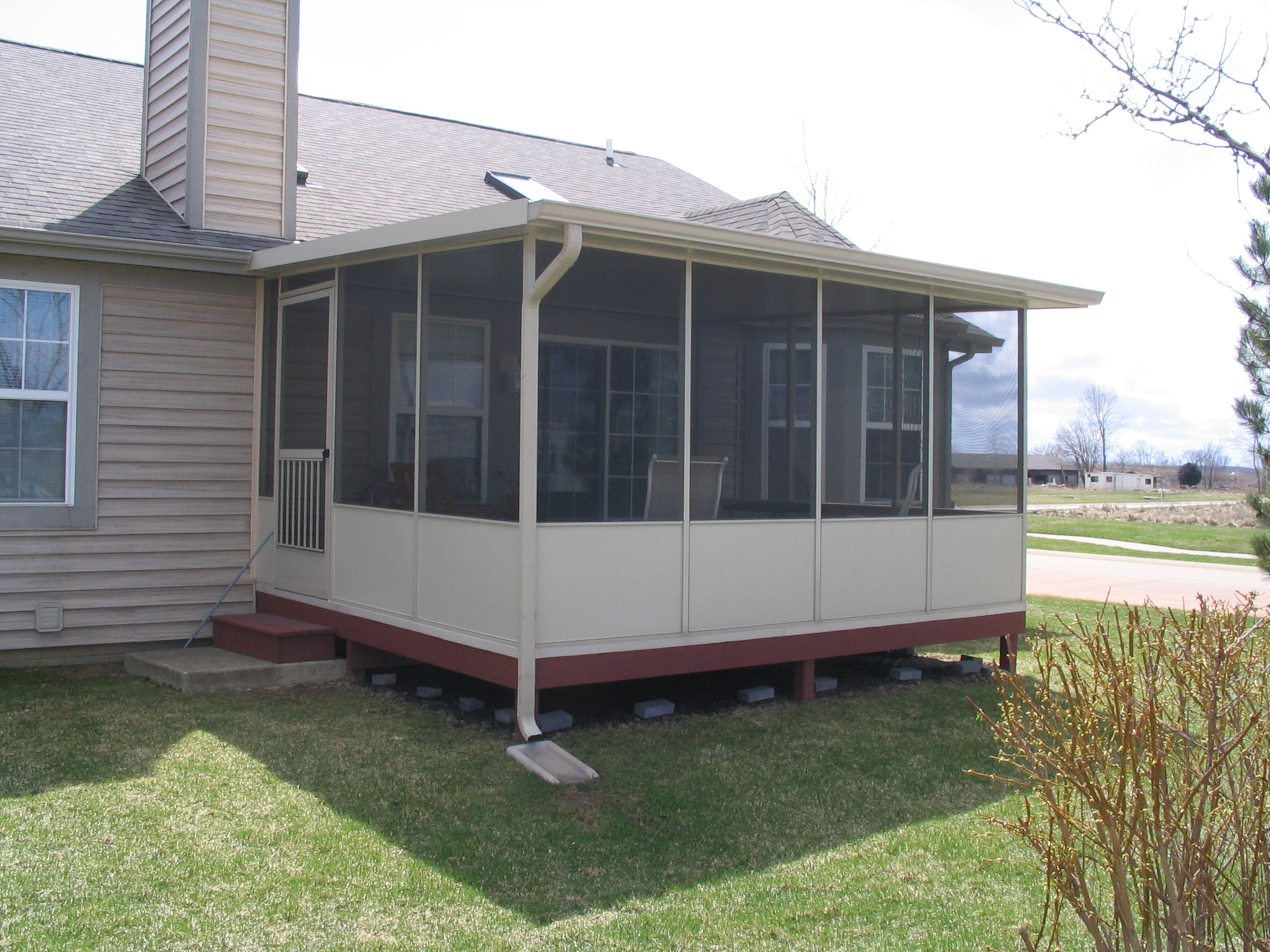 Tucson screened patio make your patio a room to relax in for Porch rooms